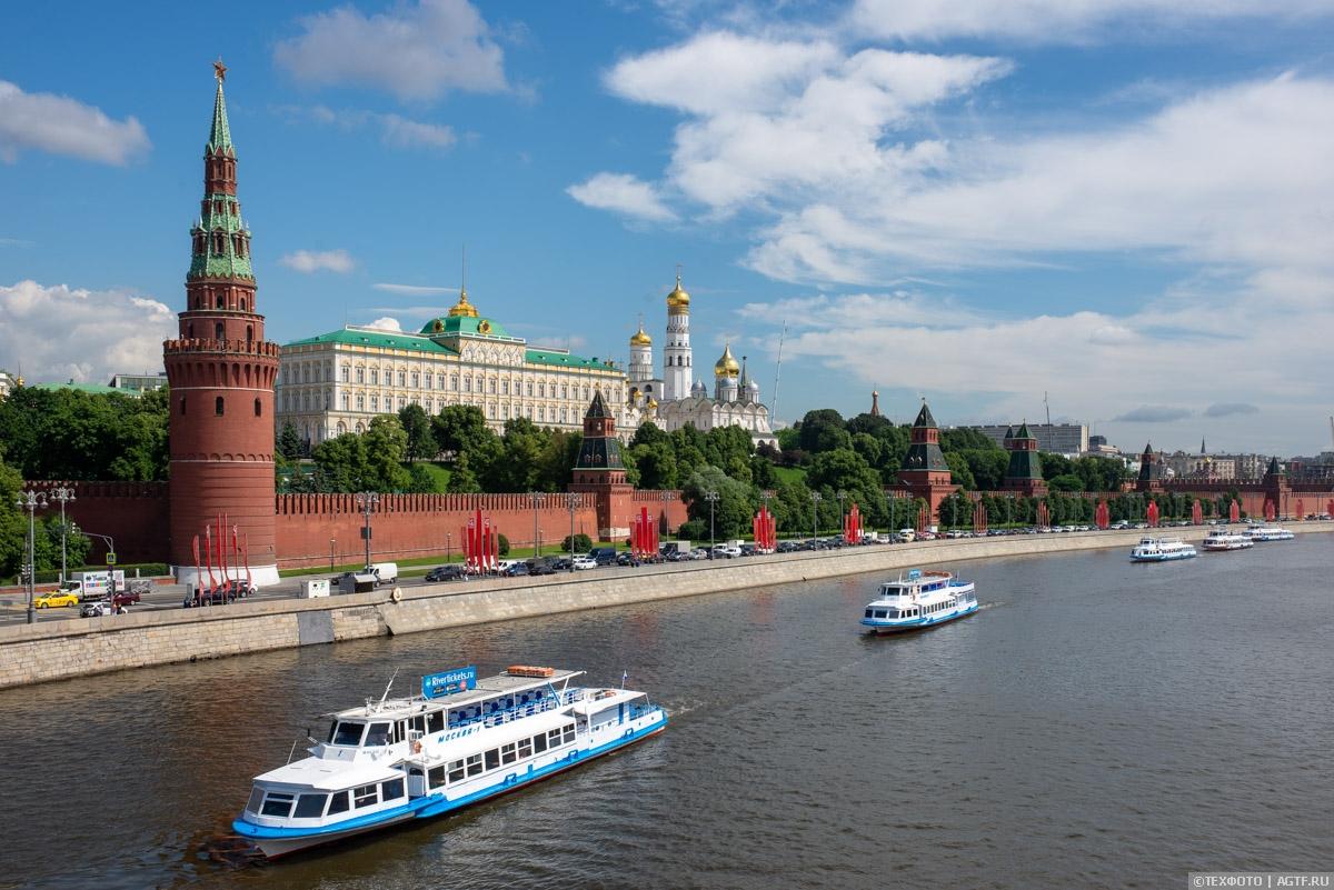 Парад судов на Москва-реке 2020